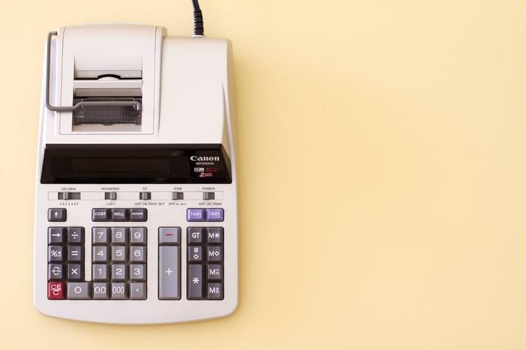 accounting-calculator-on-desk